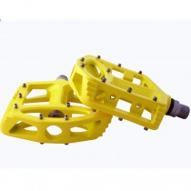 Qu-Ax Magnesium Cross Pedals